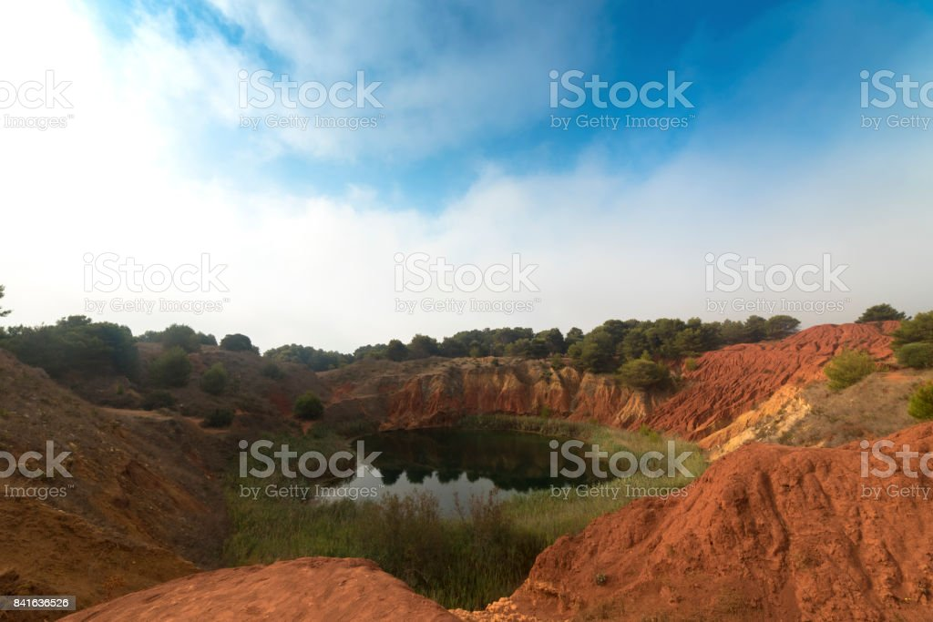Lac de carrière de bauxite à Otranto, Pouilles - Italie - Photo