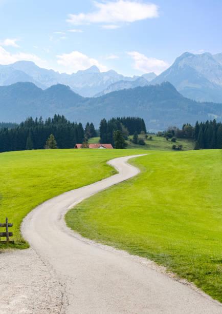 bayerische alpen, ostallgäu, bayern, deutschland - allgäu stock-fotos und bilder