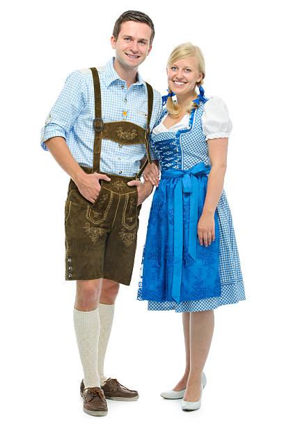 bayerische paar im dirndl - bayerische tracht stock-fotos und bilder