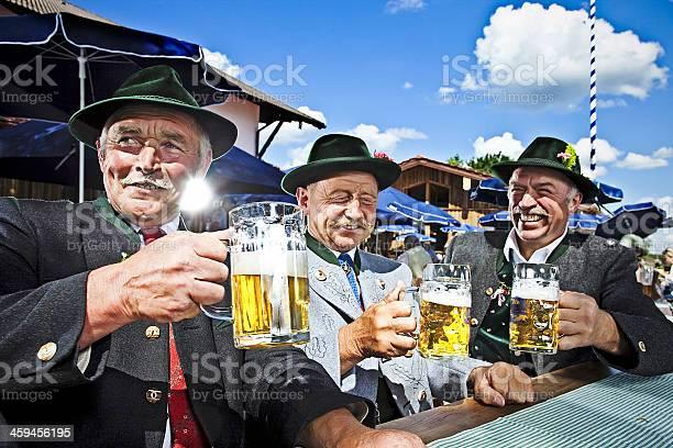 Bavarians In The Beergarden Stockfoto en meer beelden van Altesmuseum