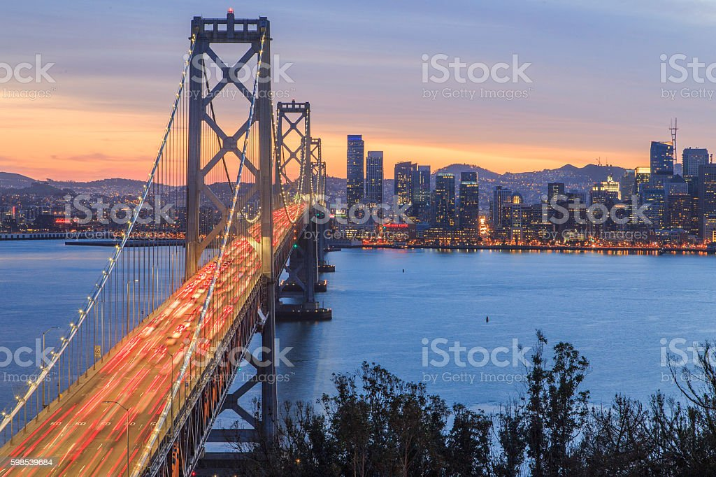 Bay Bridge and San Francisco City Line photo libre de droits