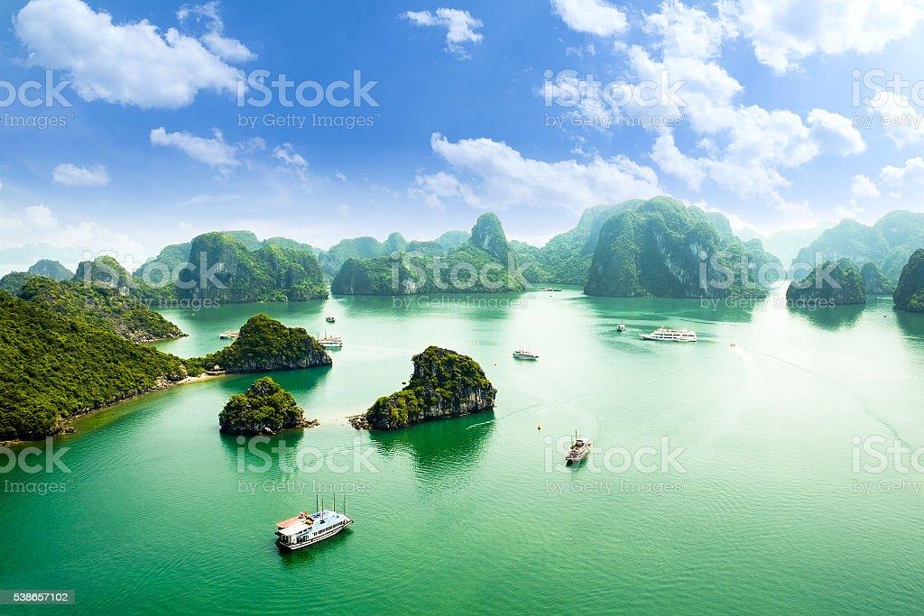 Bahía de HALONG en vietnam - foto de stock