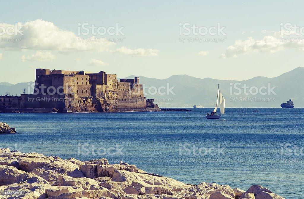 Baia di Napoli, dell'Ovo Castello e mare - foto stock