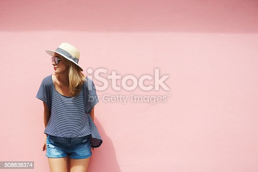 Shot of a smiling young woman outsidehttp://195.154.178.81/DATA/i_collage/pu/shoots/806307.jpg