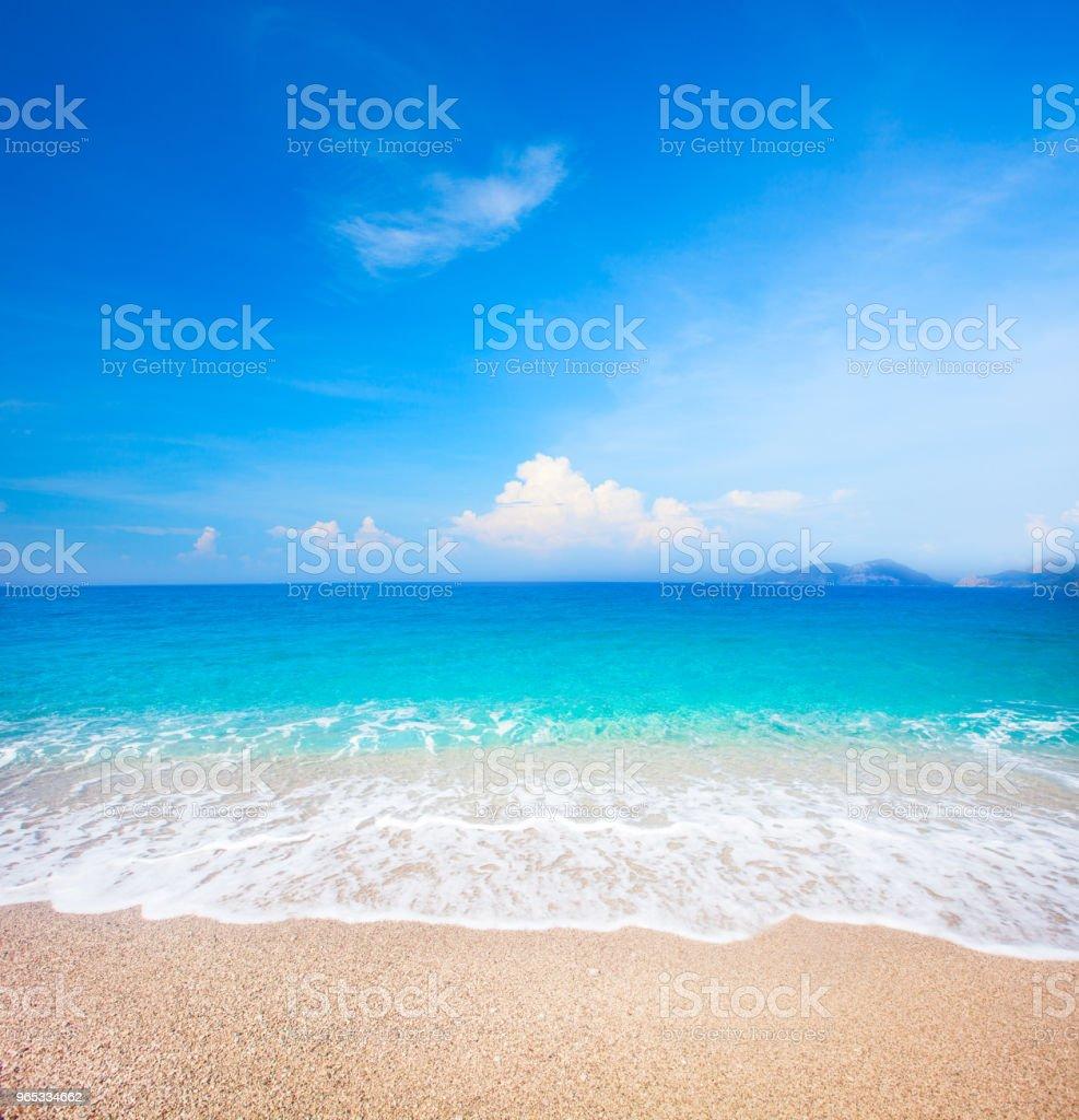 beach and beautiful tropical sea zbiór zdjęć royalty-free