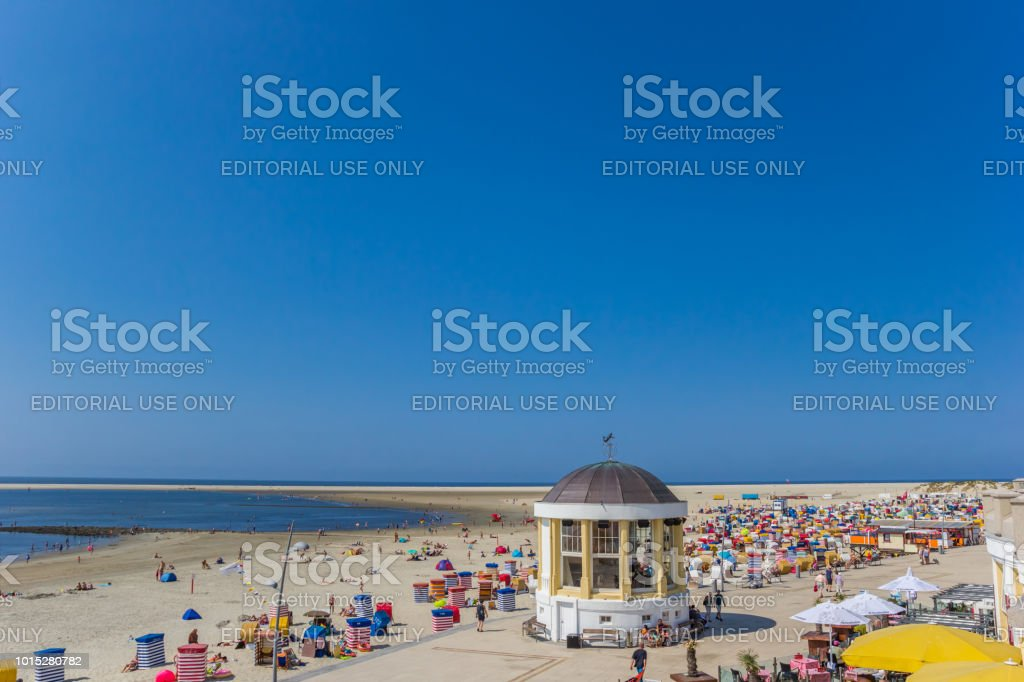 Strand und Promenade auf der Insel Borkum, Deutschland – Foto