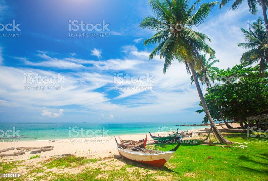 Strand und Fischerboot, Koh Lanta, Thailand – Foto