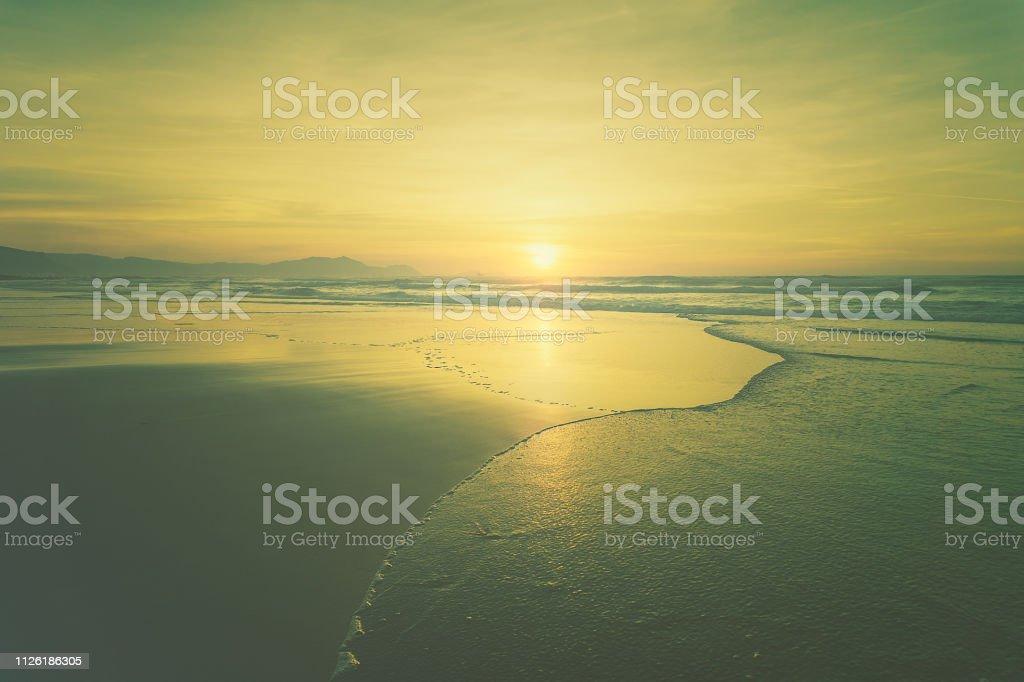 playa y mar con efecto vintage - foto de stock