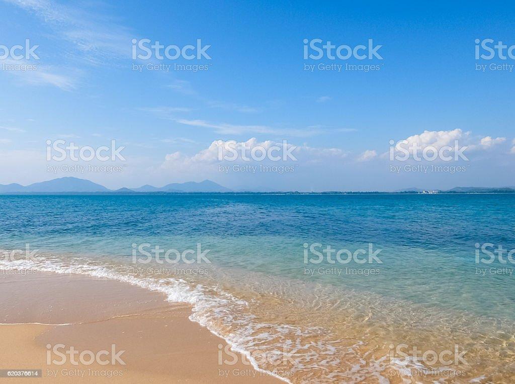 Beach and tropical sea in summer season zbiór zdjęć royalty-free