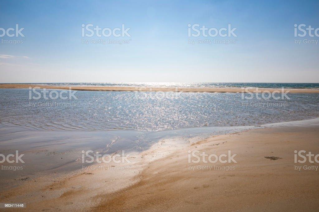 plaża i morze tropikalne - Zbiór zdjęć royalty-free (Bez ludzi)