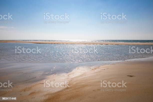 Plaża I Morze Tropikalne - zdjęcia stockowe i więcej obrazów Bez ludzi