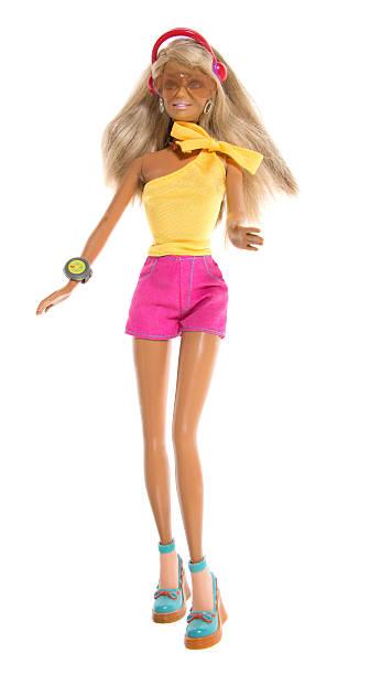 strand fashon barbie puppe joggen mit headset - barbiekleidung stock-fotos und bilder