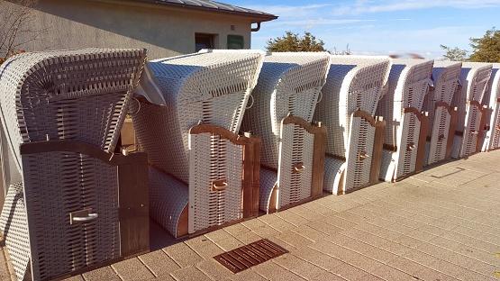 Warnemünde, Strandkörbe wurden schon abtransportiert, Urlaub an der Ostsee im Herbst