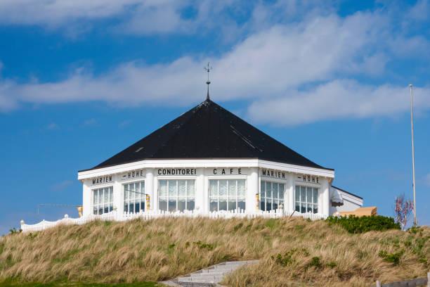 strand-cafe in norderney, redaktionelle - urlaub norderney stock-fotos und bilder