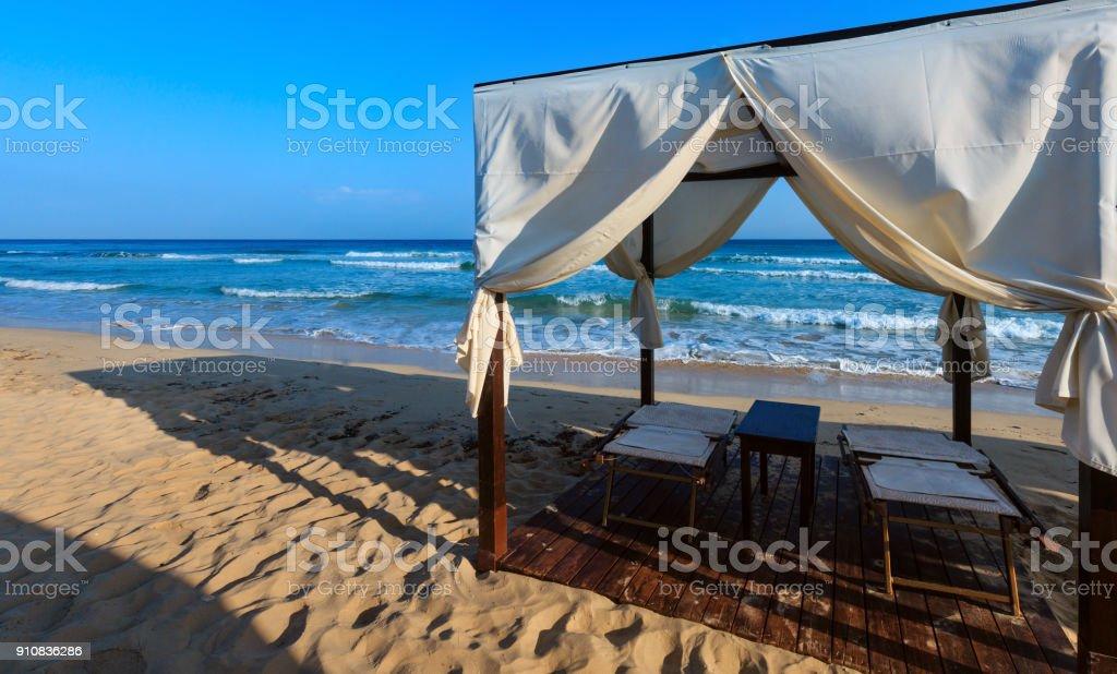 Strand-Vordächer, Salento, Pescoluse, Italien – Foto