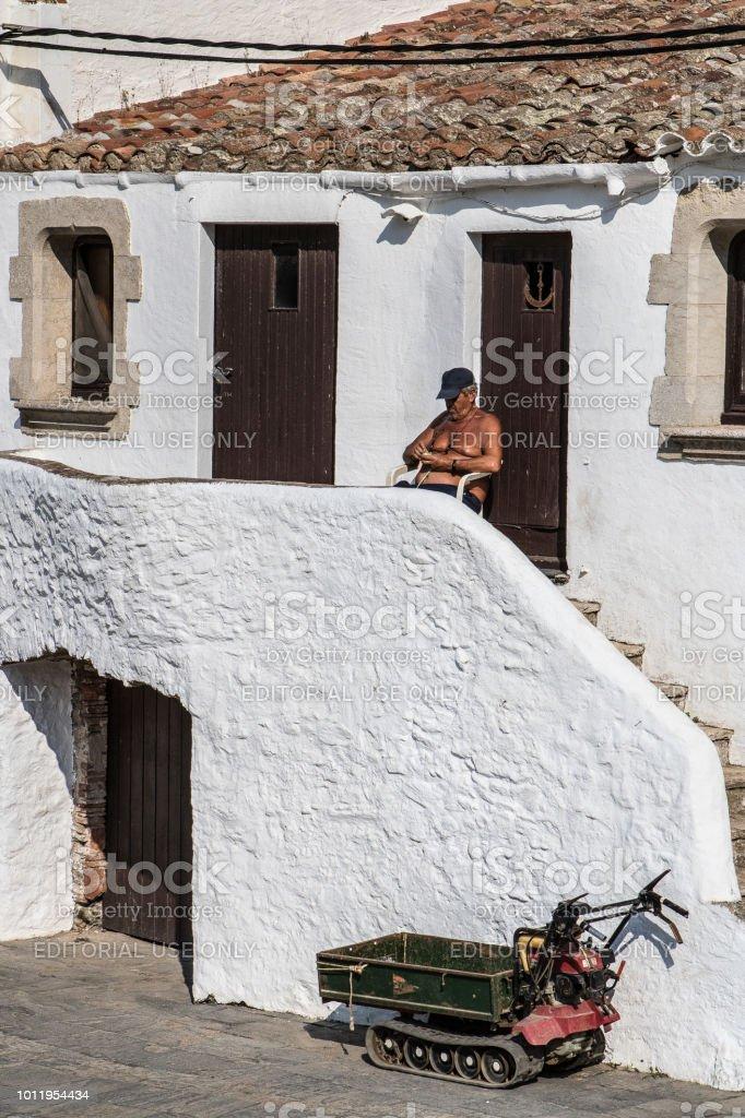 Vigilante de la playa bajo el sol - foto de stock