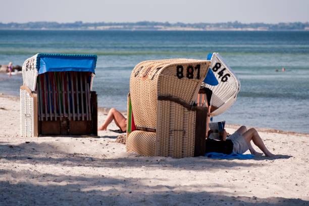 strandstuhl - kiel stock-fotos und bilder