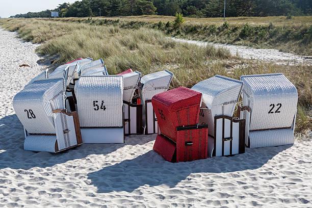strandstühle  - prerow stock-fotos und bilder
