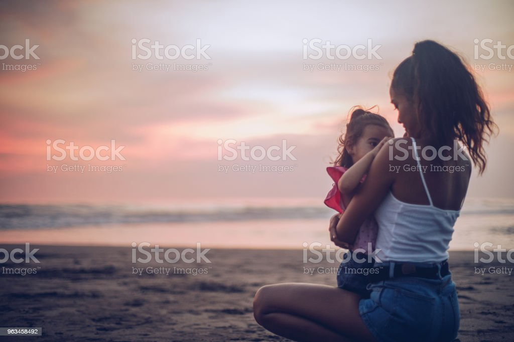 Diversión en la playa - Foto de stock de Adulto libre de derechos