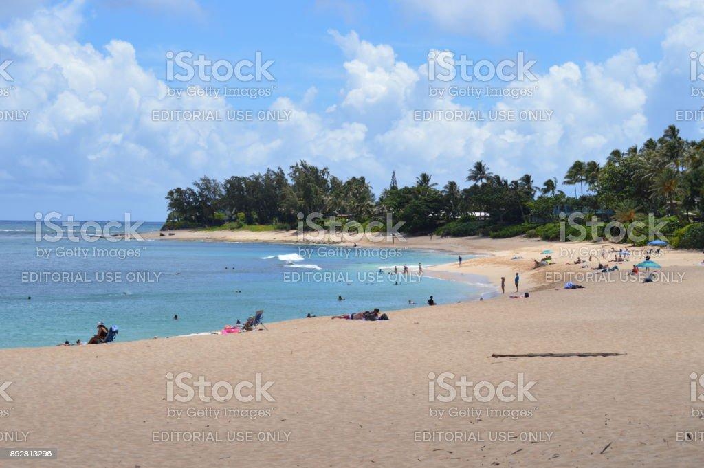Playa de dar clases de iniciación al surf. 11 de julio de 2017. Oahu, Hawaii, USA, EEUU. - foto de stock