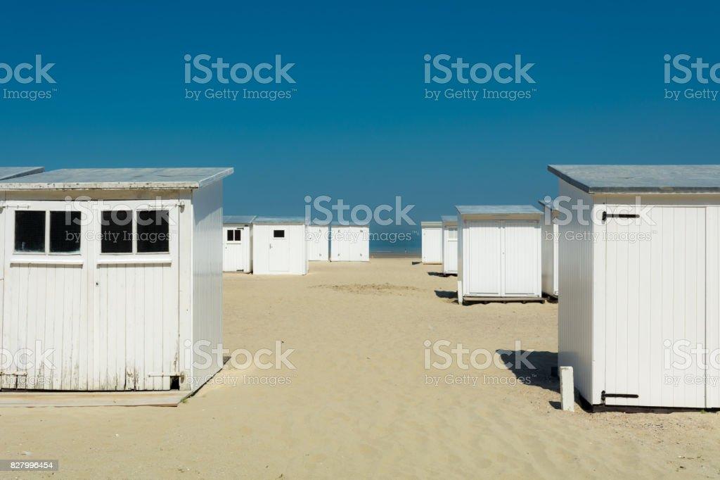 Strand hutten aan de Belgische kust foto