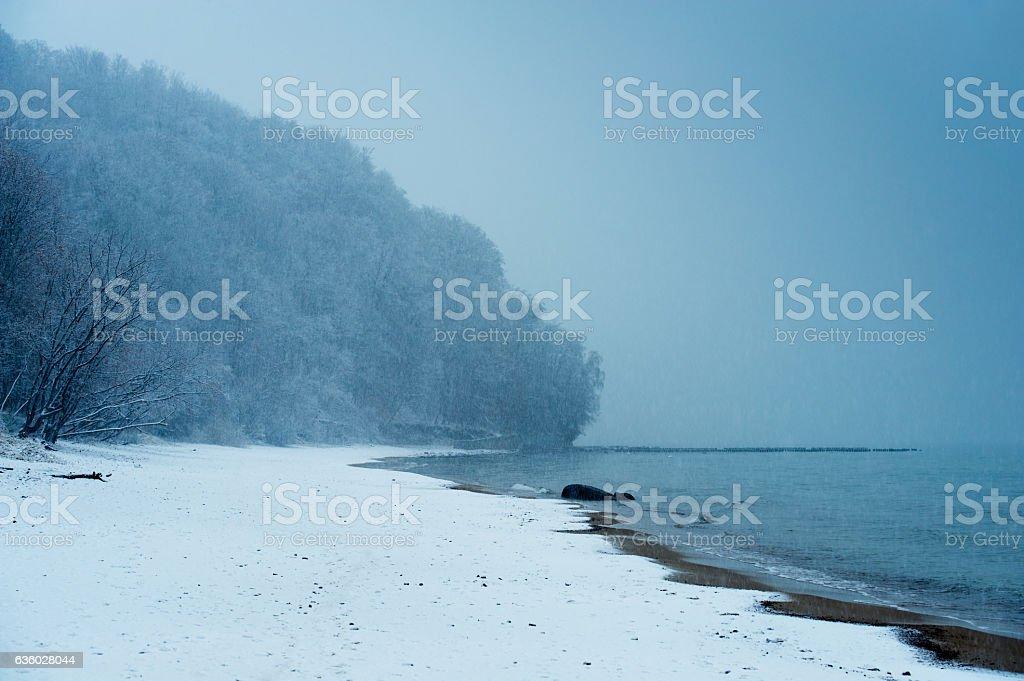 Playa de invierno - foto de stock