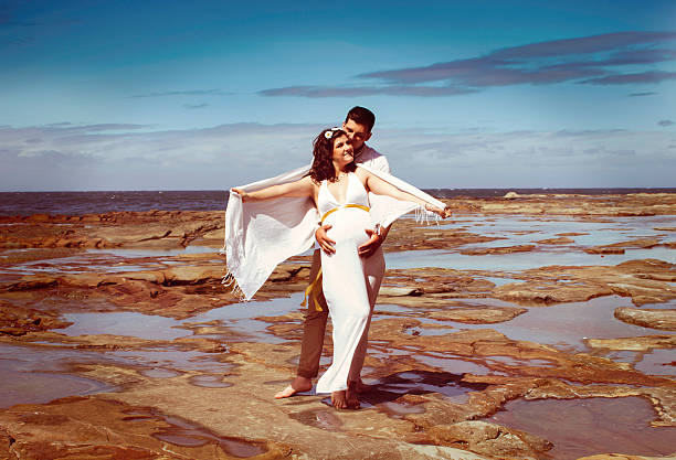 beach maternity wedding photography - wedding photography and videography stock-fotos und bilder