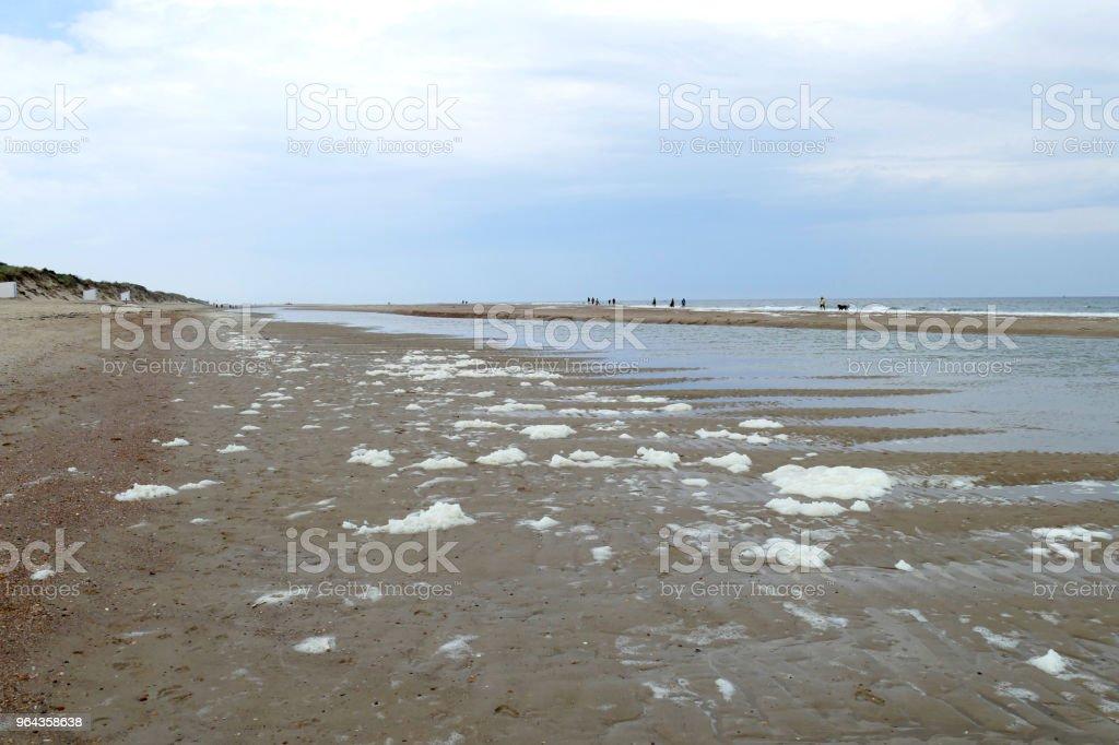 Praia perto de Vrouwenpolder, Zeeland, Holanda - Foto de stock de Areia royalty-free
