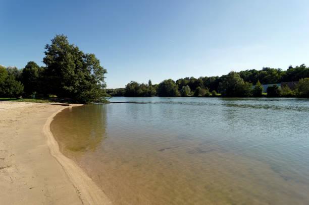 Plage sur les rives de la rivière Marne à Île de France - Photo