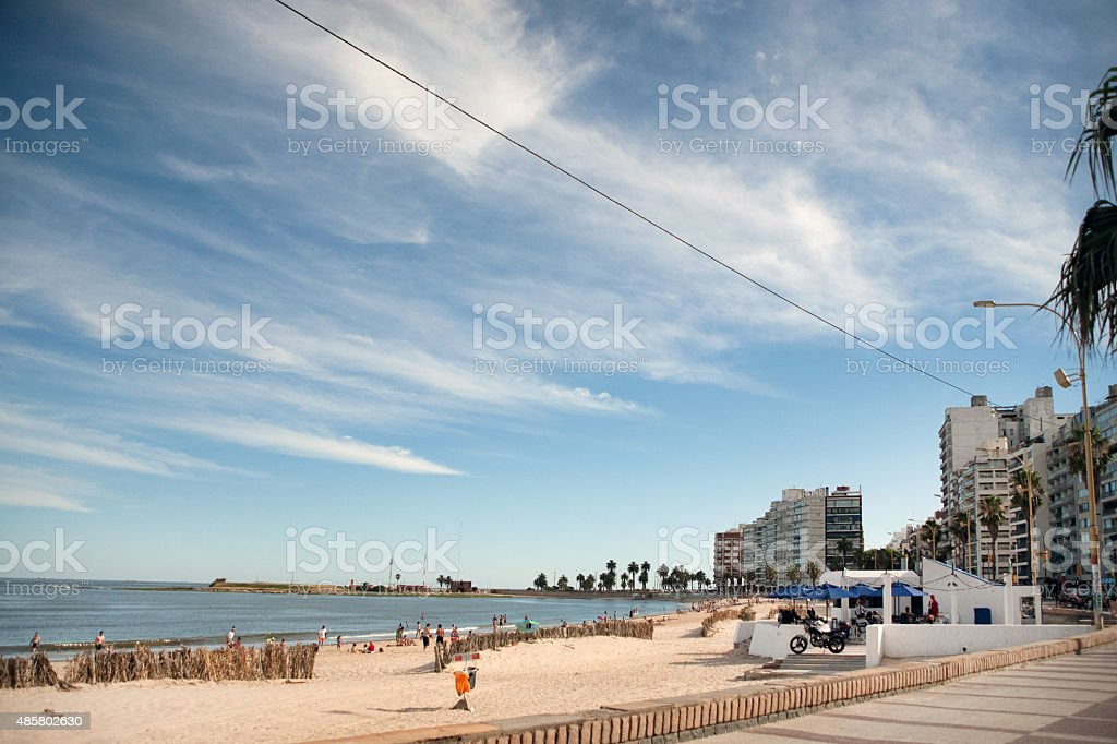 Panorama de praia em Montevidéu, Uruguai foto royalty-free