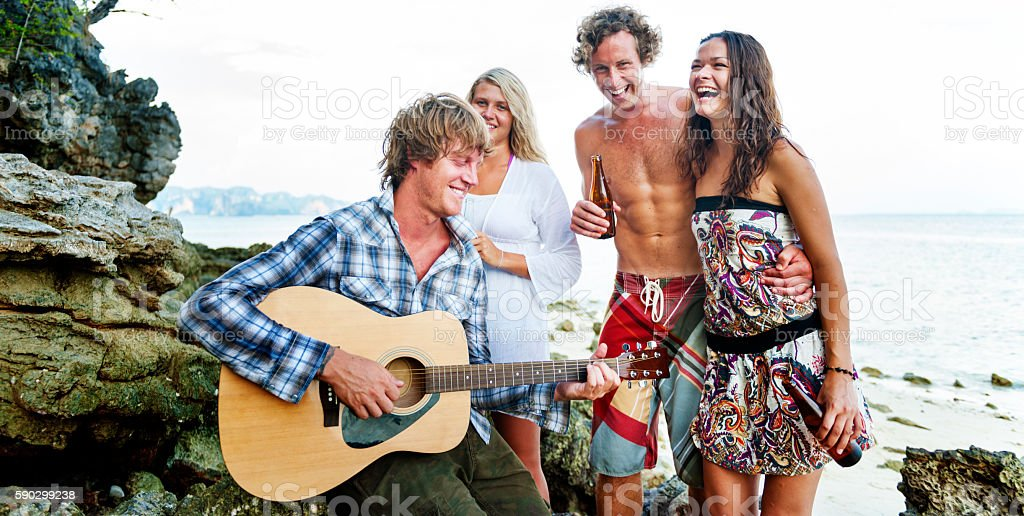 Beach Party Guitar Cheerful Togetherness Sky Concept royaltyfri bildbanksbilder