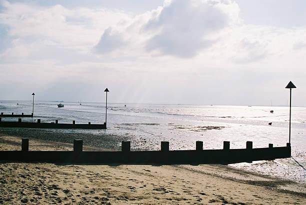 beach (mit den gezeiten out - jake*s stock-fotos und bilder