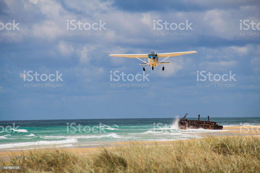 Beach Flugzeug startet – Foto