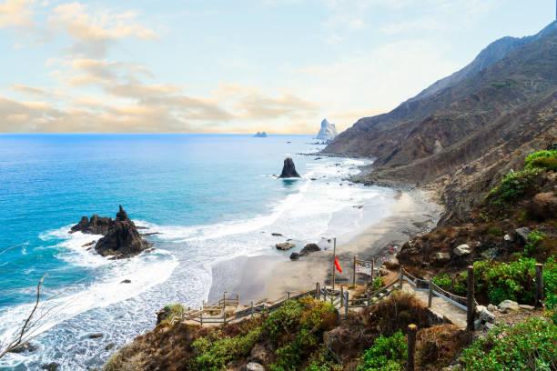plage playa benijo, tenerife island, espagne - canari photos et images de collection