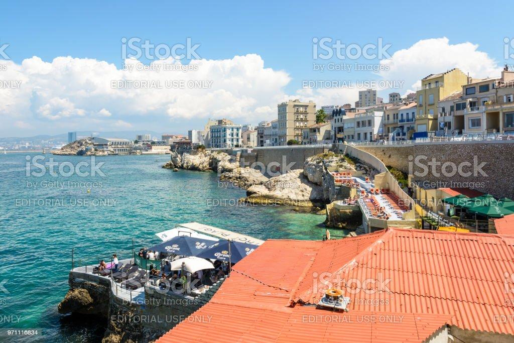 Restaurantes De Playa A Lo Largo De La Corniche Kennedy Con