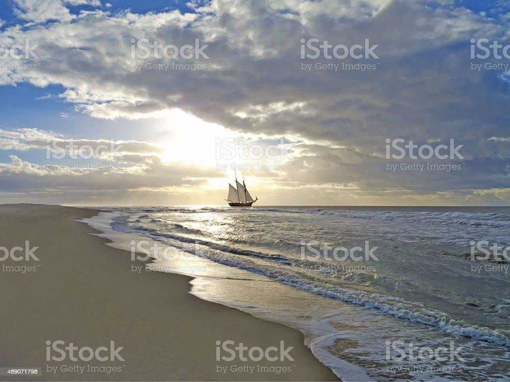Strand, Segeln Schiff, das Meer und den Sonnenuntergang – Foto