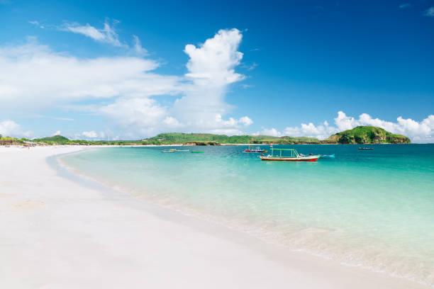 strand scène - lombok stockfoto's en -beelden