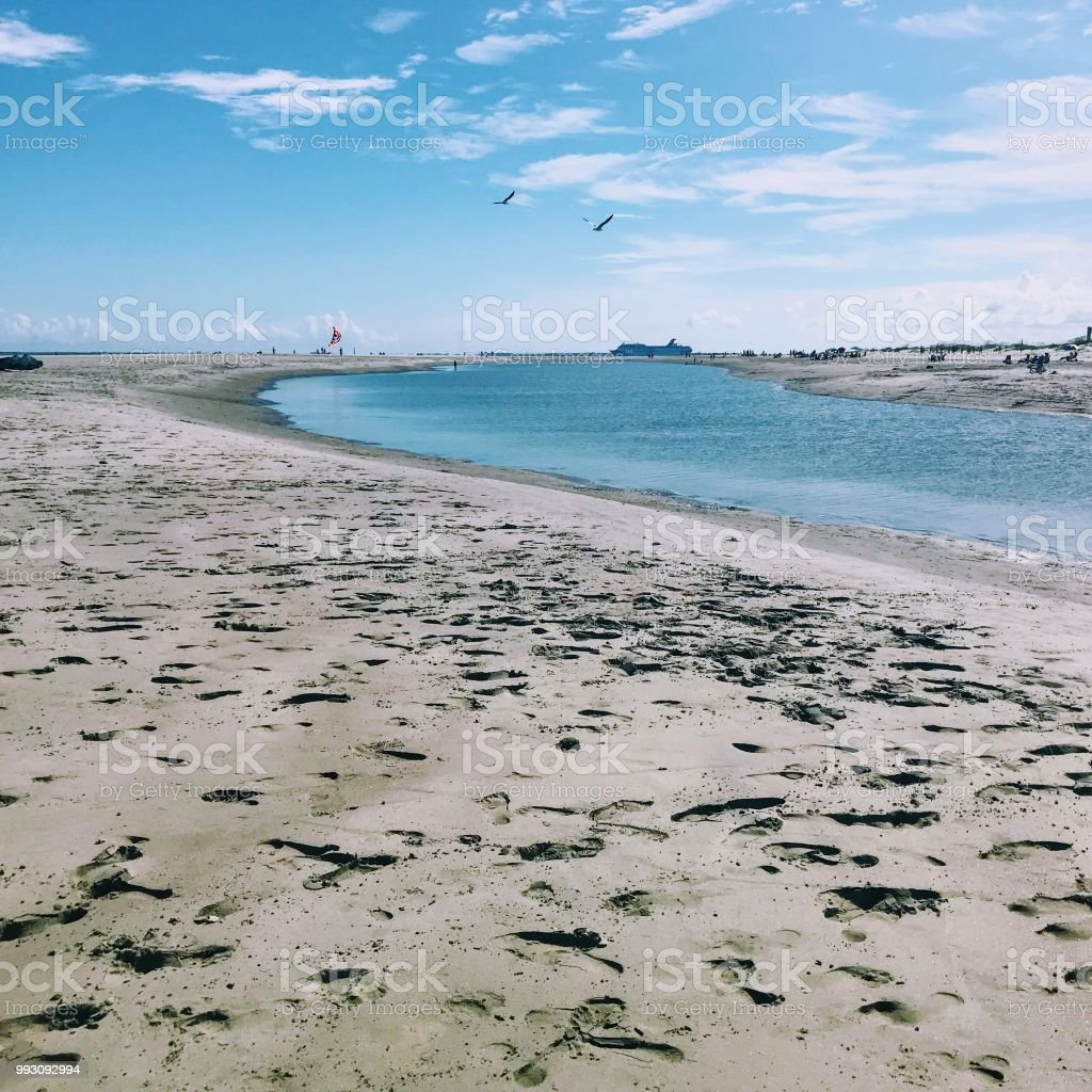 beach scenes stock photo & more pictures of backgrounds | istock