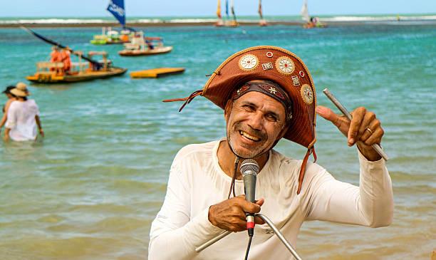 beach singer in northeast brazil - nordeste - fotografias e filmes do acervo