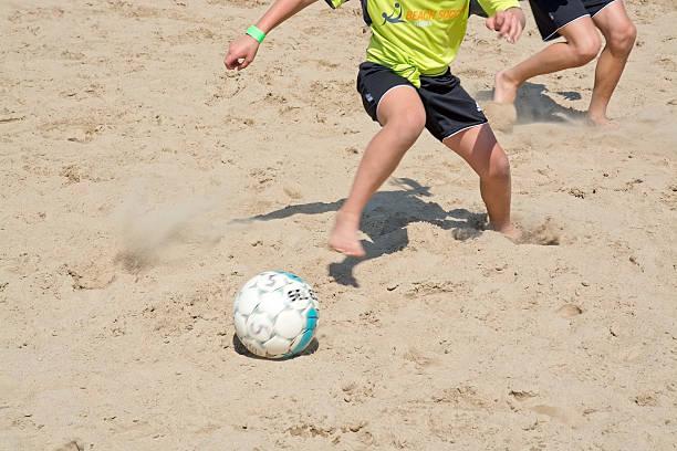 torneio de futebol de praia de - futebol de areia - fotografias e filmes do acervo