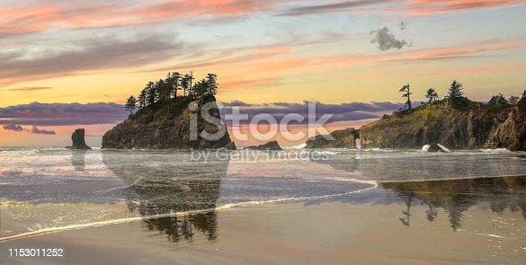 Sunset on second beach,La Push, Washington State, USA