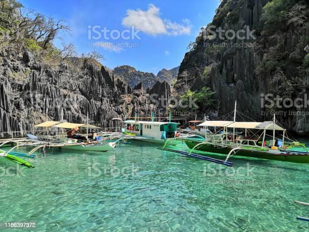 Strandausflug Mit Dem Boot In Coron Region Auf Den Philippinen Stockfoto und mehr Bilder von Abenteuer