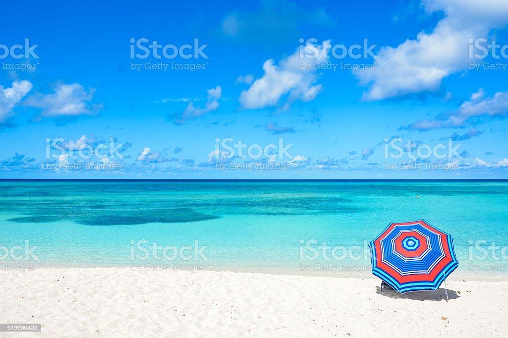 Plażowy parasol – zdjęcie
