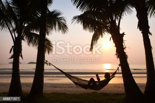 817409212 istock photo beach vacations 459371571