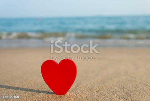 istock beach valentine 472122195