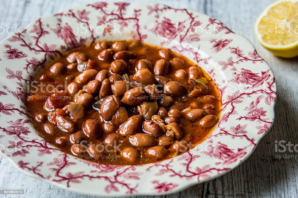 Bean Stew / Turkish Barbunya Pilaki. - foto de acervo