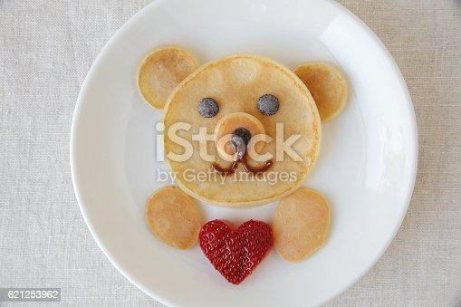 istock Bear holding love heart pancake breakfast,  food art for kids 621253962