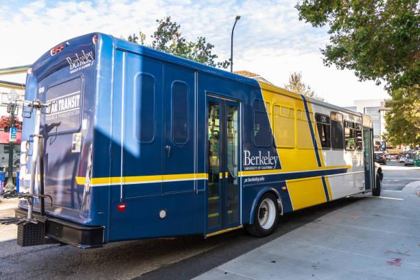 bear transit otobüs, berkeley - sefer tarifesi stok fotoğraflar ve resimler