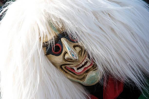 inhaber eines fantasy-maske - fasnacht stock-fotos und bilder