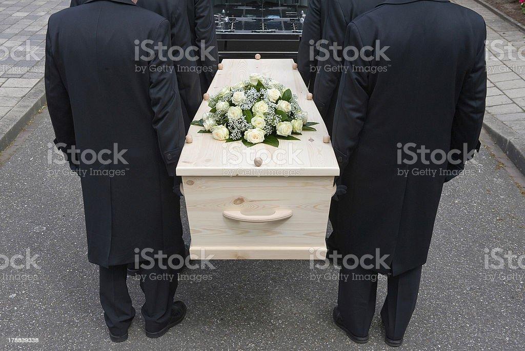 Photo libre de droit de Les Porteurs De Cercueil